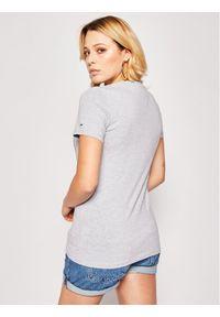 Tommy Jeans T-Shirt Metallic Flag DW0DW08063 Szary Regular Fit. Kolor: szary