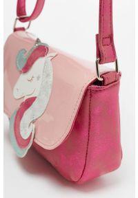 Różowy plecak OVS z aplikacjami