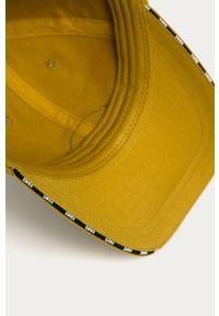Oliwkowa czapka z daszkiem Vans z aplikacjami
