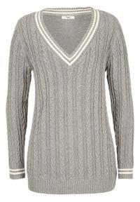 Sweter w warkocze, dekolt w serek bonprix szary melanż - pastelowy jasnoróżowy wzorzysty. Typ kołnierza: dekolt w serek. Kolor: szary. Wzór: melanż
