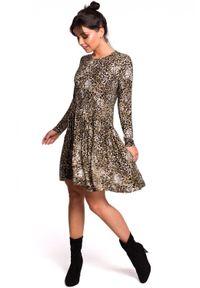 BE - Rozkloszowana sukienka tunika w panterkę. Okazja: na co dzień. Materiał: elastan, dzianina, materiał, bawełna. Wzór: motyw zwierzęcy. Typ sukienki: rozkloszowane. Styl: elegancki, casual