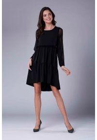 Czarna sukienka rozkloszowana Nommo z falbankami