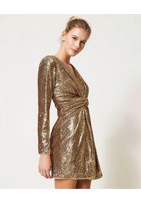 TwinSet - TWINSET - Złota cekinowa sukienka mini. Kolor: złoty. Długość rękawa: długi rękaw. Wzór: aplikacja. Długość: mini