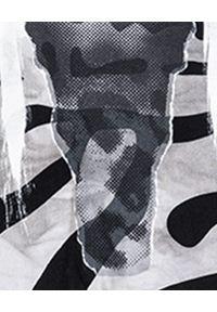 ROBERT KUPISZ - Bluza z nadrukiem NOW WILD. Kolor: szary. Materiał: dresówka, jeans, bawełna. Wzór: nadruk