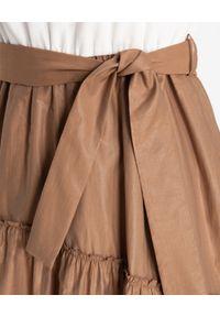 CAPPELLINI - Asymetryczna sukienka z wiązaniem. Typ kołnierza: kokarda. Kolor: brązowy. Materiał: materiał. Wzór: aplikacja. Typ sukienki: asymetryczne. Styl: elegancki, sportowy. Długość: midi