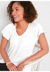 Shirt z dekoltem w serek, krótki rękaw bonprix biały. Typ kołnierza: dekolt w serek. Kolor: biały. Długość rękawa: krótki rękaw. Długość: krótkie