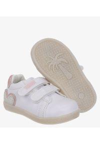 Casu - Białe buty sportowe ze skórzaną wkładką na rzep casu p-292. Zapięcie: rzepy. Kolor: biały. Materiał: skóra