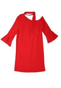 Czerwona sukienka TOP SECRET w kolorowe wzory, na jesień