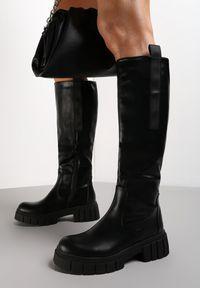 Renee - Czarne Kozaki Erymoneus. Wysokość cholewki: przed kolano. Zapięcie: zamek. Kolor: czarny. Szerokość cholewki: normalna. Wzór: aplikacja