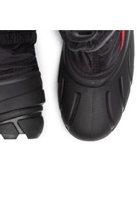 Czarne buty zimowe sorel na spacer