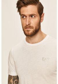 EA7 Emporio Armani - T-shirt. Okazja: na co dzień. Kolor: biały. Materiał: dzianina, materiał. Wzór: gładki. Styl: casual