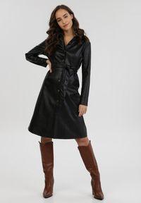 Born2be - Czarna Sukienka Saryarus. Kolor: czarny. Sezon: jesień, zima. Typ sukienki: proste, koszulowe. Styl: elegancki. Długość: midi
