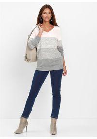 Różowy sweter bonprix długi, melanż