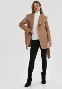 Płaszcz Born2be
