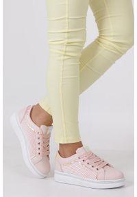 Różowe buty sportowe Casu z aplikacjami, z cholewką