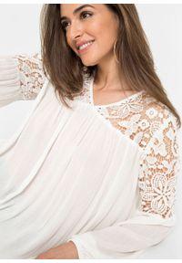 Bluzka z koronką bonprix biel wełny. Kolor: biały. Materiał: koronka, wełna. Wzór: koronka
