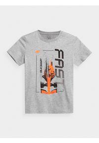4f - T-shirt z nadrukiem chłopięcy. Kolor: szary. Materiał: bawełna, dzianina. Wzór: nadruk