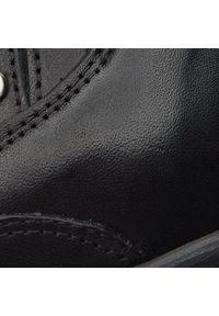 Carinii - Botki CARINII - B4501 E50-112-PSK-861. Kolor: czarny. Materiał: skóra. Wzór: aplikacja. Obcas: na obcasie. Wysokość obcasa: średni