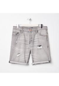 Sinsay - Szorty jeansowe - Szary. Kolor: szary. Materiał: jeans
