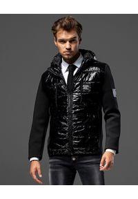 GUNS & TUXEDOS - Czarna kurtka z kapturem Defender BB. Typ kołnierza: kaptur. Kolor: czarny. Materiał: jeans, materiał. Wzór: aplikacja. Sezon: zima