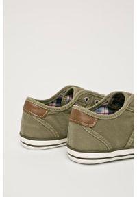 Mustang - Tenisówki. Nosek buta: okrągły. Zapięcie: sznurówki. Kolor: zielony. Materiał: guma