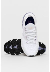 Under Armour - Buty Hovr Phantom 2. Nosek buta: okrągły. Zapięcie: sznurówki. Kolor: biały. Materiał: guma. Sport: bieganie