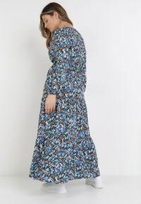 Born2be - Granatowa Sukienka Zelelis. Kolor: niebieski