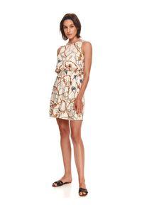 TOP SECRET - Krótka sukienka z nadrukiem. Kolor: beżowy. Wzór: nadruk. Typ sukienki: koszulowe. Długość: mini
