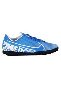 Buty dla dzieci do piłki nożnej Nike Mercurial Vapor 13 Club TF AT8177. Materiał: syntetyk, guma, skóra. Szerokość cholewki: normalna. Sport: piłka nożna