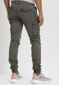 Brązowe spodnie Born2be