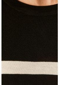 Vero Moda - Sukienka. Okazja: na co dzień. Kolor: czarny. Materiał: dzianina. Długość rękawa: długi rękaw. Typ sukienki: proste. Styl: casual