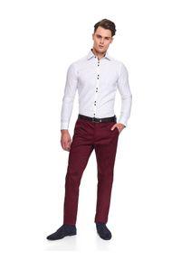 TOP SECRET - Spodnie chino dopasowane. Okazja: na co dzień. Kolor: czerwony. Materiał: bawełna. Sezon: jesień, zima. Styl: casual, klasyczny #6