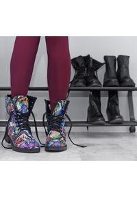 Botki Zapato na jesień, w kolorowe wzory, wąskie