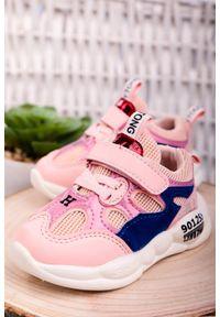 Casu - różowe buty sportowe na rzep casu 204/34m. Zapięcie: rzepy. Kolor: różowy