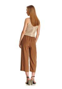Beżowe spodnie TOP SECRET casualowe, na co dzień, na lato, w kolorowe wzory