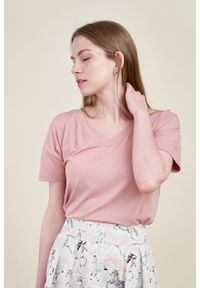 Marie Zélie - Bluzka Silvia pudrowy róż mikromodal. Kolor: różowy. Materiał: dzianina, skóra, wiskoza, elastan, włókno. Długość: krótkie