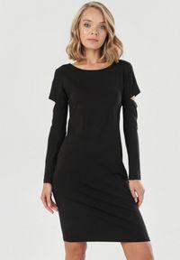 Born2be - Czarna Sukienka Syringa. Kolor: czarny. Materiał: dzianina. Długość rękawa: długi rękaw. Wzór: jednolity. Długość: midi