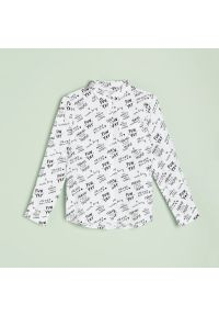 Reserved - Koszula z napisami - Czarny. Kolor: czarny. Wzór: napisy