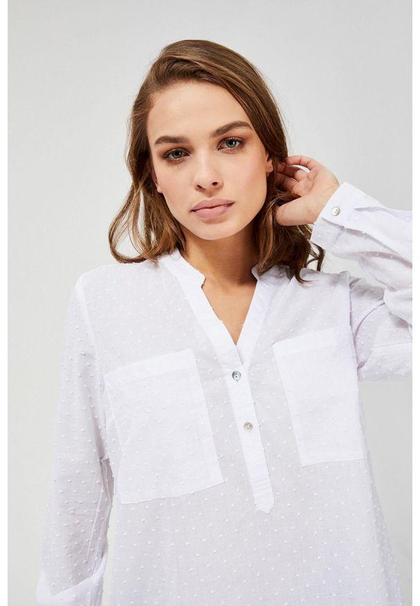 Biała koszula MOODO z długim rękawem, ze stójką