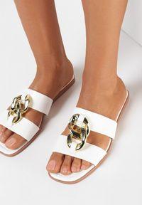Born2be - Białe Klapki Melmara. Nosek buta: otwarty. Kolor: biały. Sezon: lato. Obcas: na płaskiej podeszwie. Styl: klasyczny