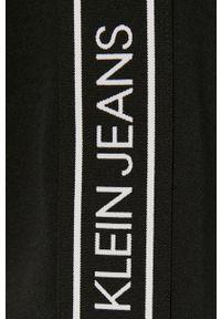 Czarne spodnie dresowe Calvin Klein Jeans z aplikacjami