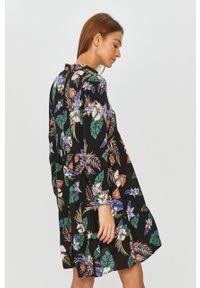 Czarna sukienka Answear Lab mini, w kwiaty, prosta, z długim rękawem