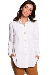 MOE - Biała Koszula o Wydłużonym Kroju z Ozdobnymi Guzikami. Kolor: biały. Materiał: poliester, len
