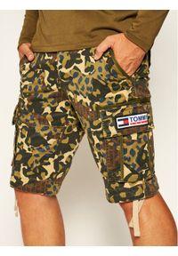 Zielone szorty Tommy Jeans z nadrukiem