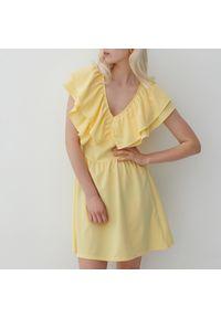 Reserved - Dzianinowa sukienka mini - Żółty. Kolor: żółty. Materiał: dzianina. Długość: mini