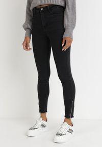 Born2be - Czarne Jeansy Skinny Hermime. Okazja: na co dzień. Stan: podwyższony. Kolor: czarny. Wzór: aplikacja. Styl: casual #3