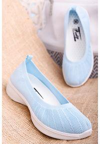 Casu - Niebieskie buty sportowe wsuwane slip on casu 11005-4. Zapięcie: bez zapięcia. Kolor: niebieski. Styl: sportowy