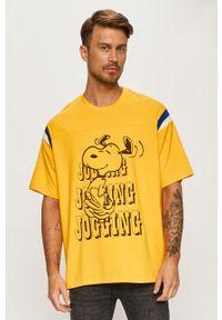 Pomarańczowy t-shirt Levi's® biznesowy, w kolorowe wzory, na spotkanie biznesowe