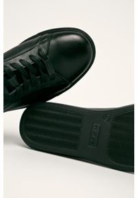 Czarne sneakersy Wojas z okrągłym noskiem, na sznurówki, z cholewką