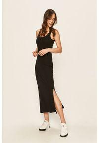 Czarna sukienka Noisy may na co dzień, na ramiączkach